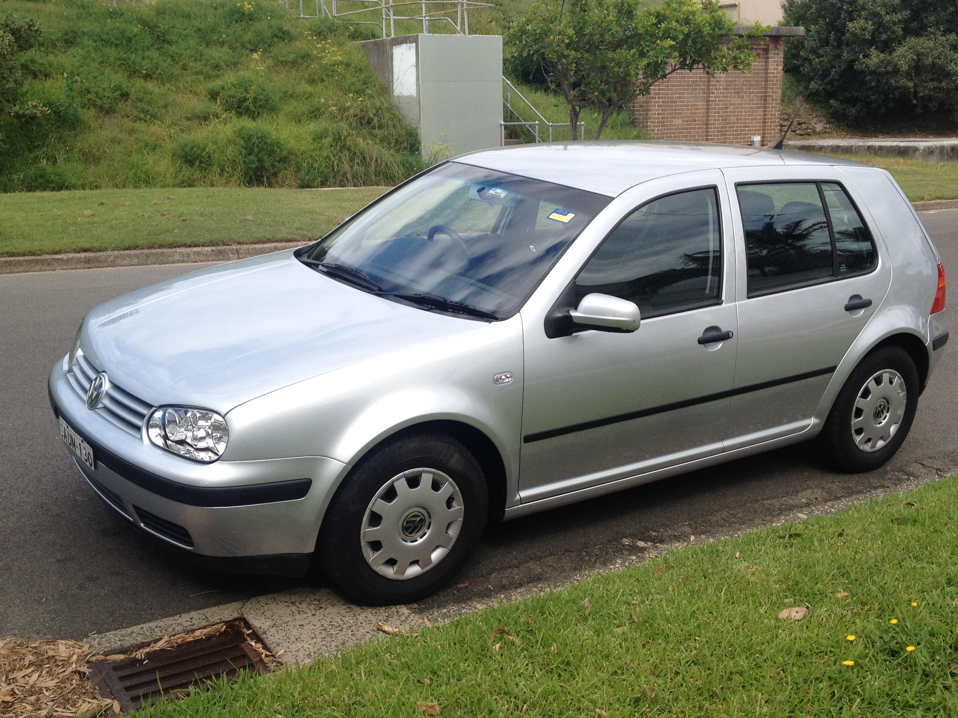 Picture of Sophie's 2002 Volkswagen Golf