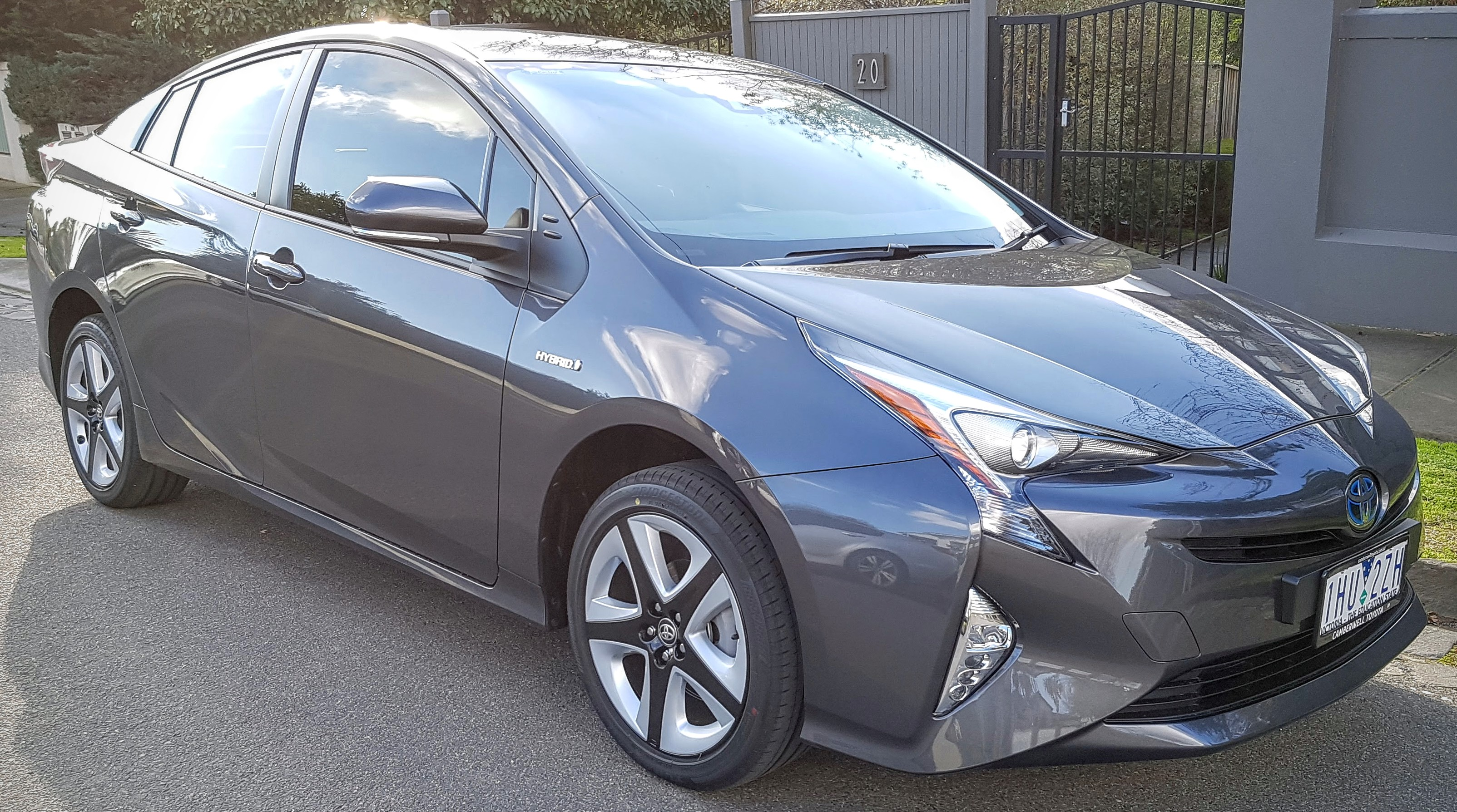 Picture of Edgar's 2016 Toyota Prius i-Tech