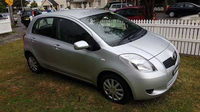 Picture of Camila's 2005 Toyota Yaris