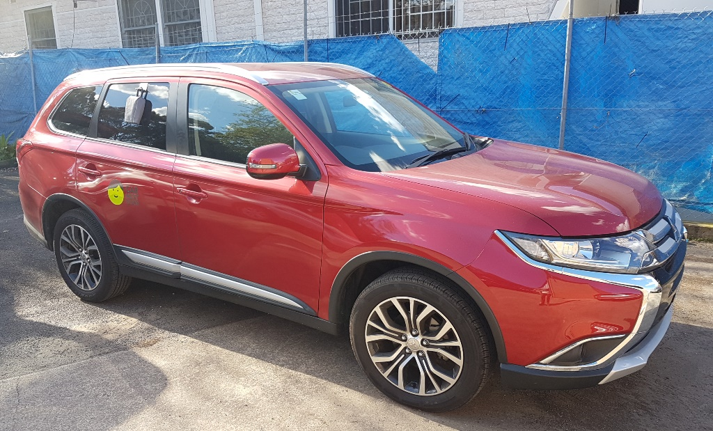 Picture of Petko's 2016 Mitsubishi Outlander