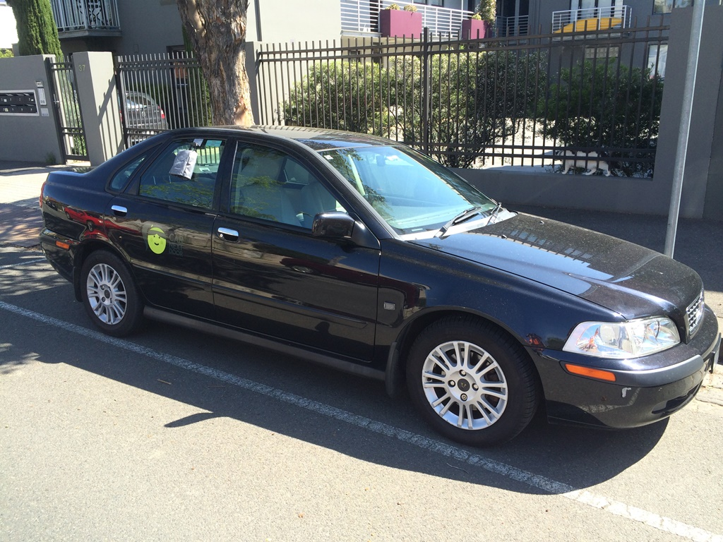 Picture of Catherine's 2002 Volvo S40