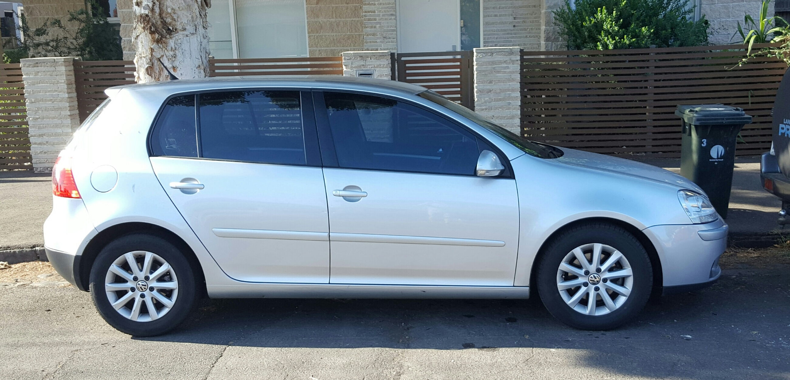 Picture of Shane's 2009 Volkswagen Golf