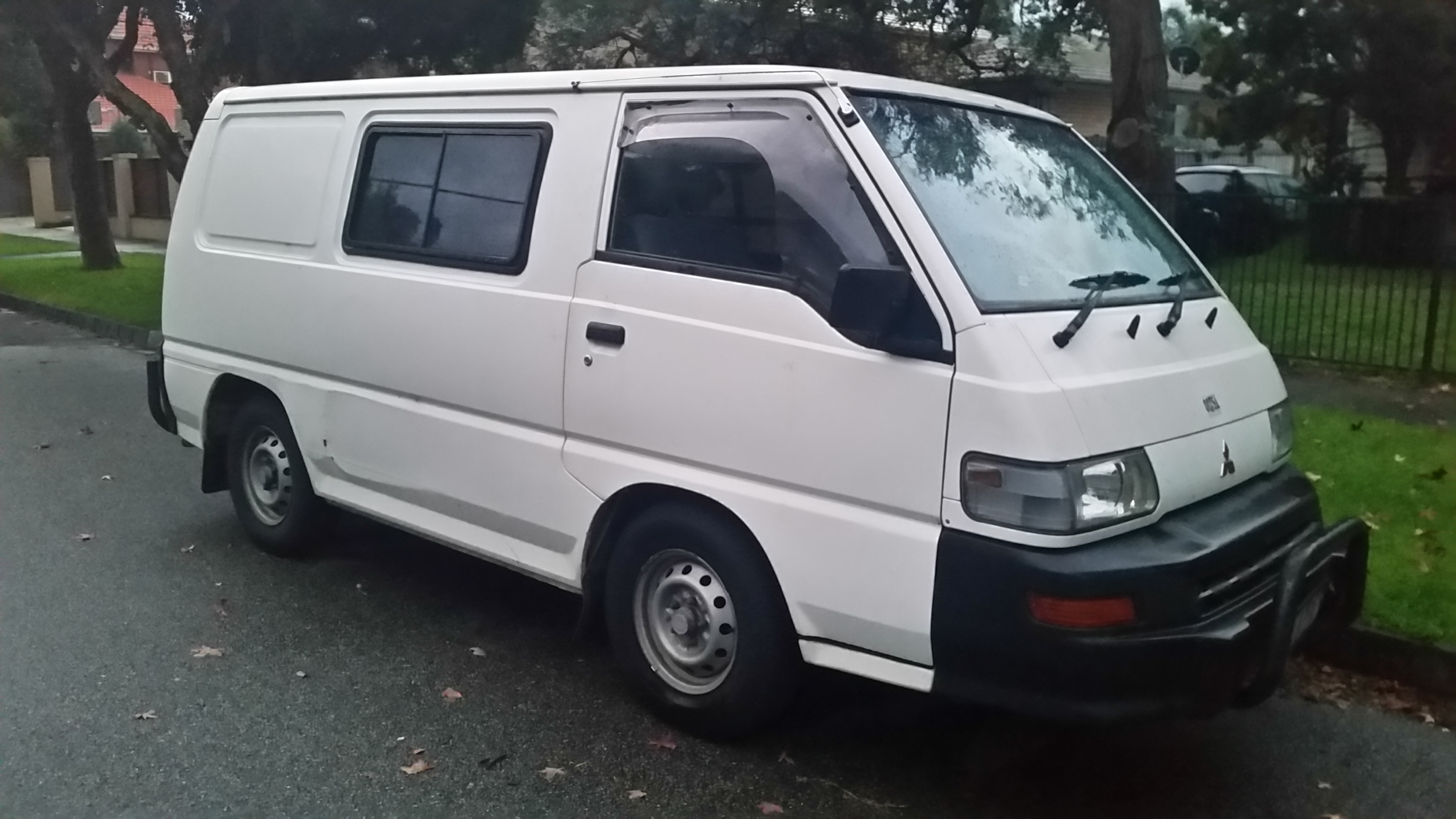 Picture of Ashley's 2003 Mitsubishi Express