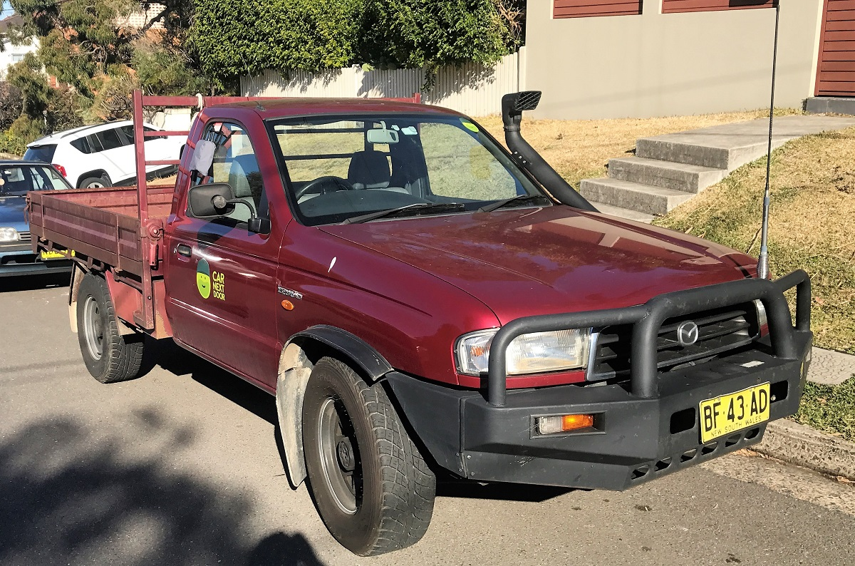 Picture of Angus' 2001 Mazda B2600